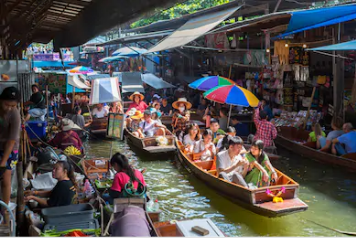 Traditional float market to the capital of Thailand.