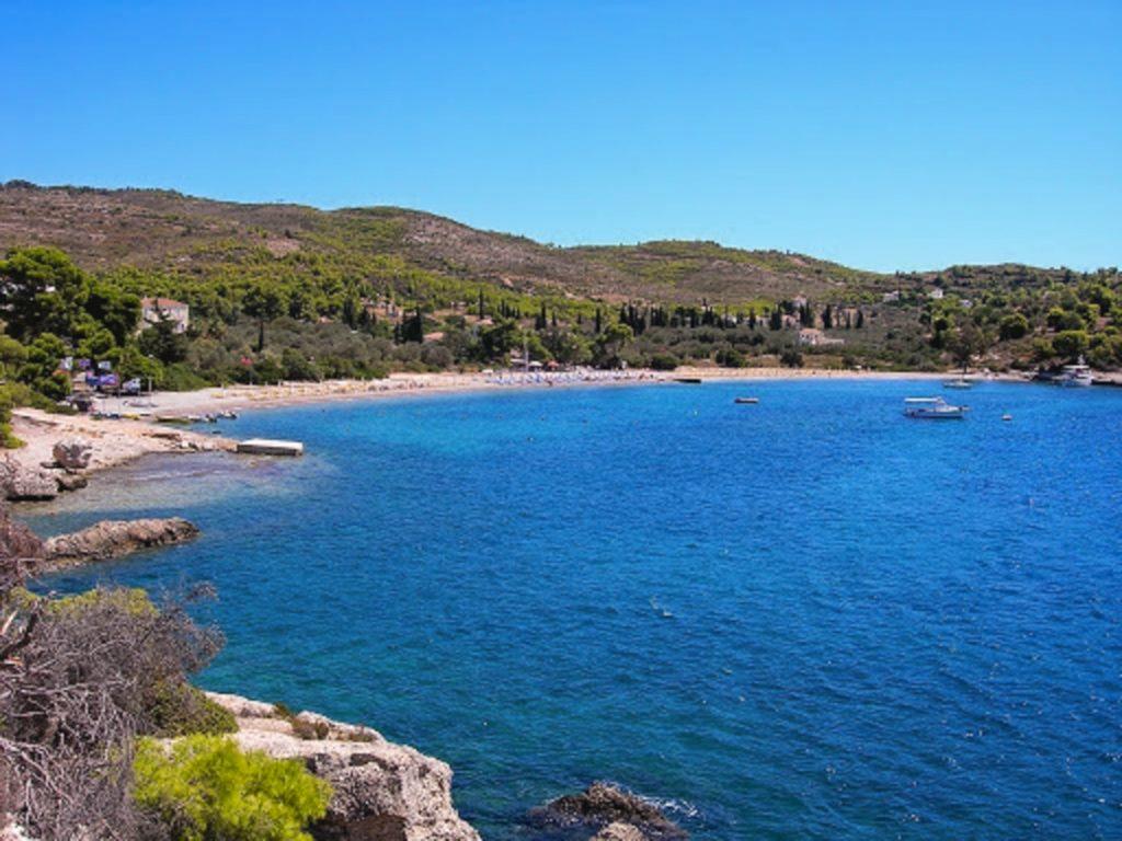 Agioi anargyroi beach in Spetses