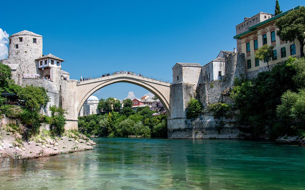 stari most old bridge at mostar - Η παλιά γέφυρα στάρι μοστ στο Μόσταρ της Βοσνίας