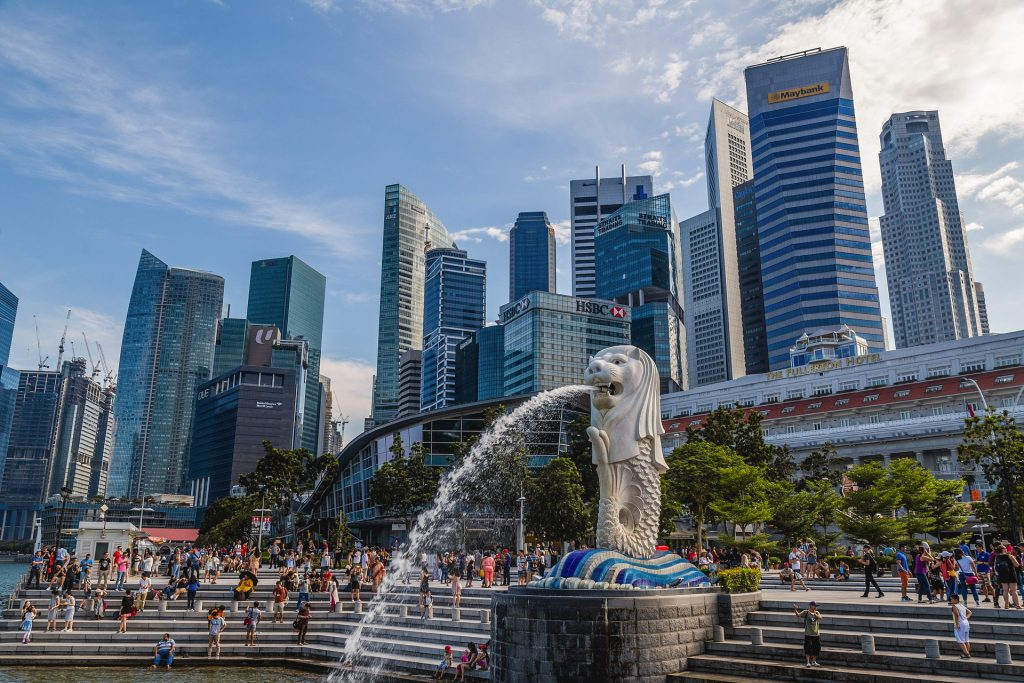 The famous statue of Merlion at marina bay area.