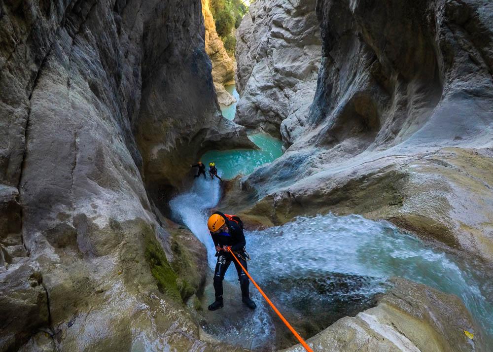 Kallithea gorge descent